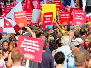 etfo members protesting