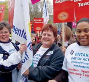 etfo members standing together at rally